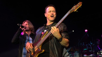 Actor Gary Sinise performs with the Lt. Dan Band. (credit: Frederick M. Brown/Getty Images)