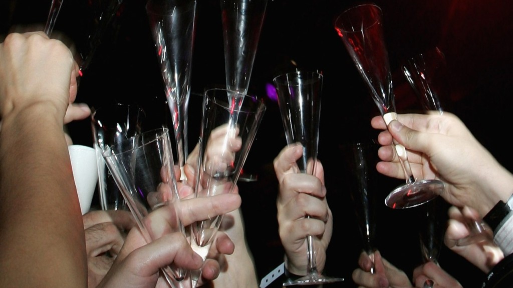 Tips on How to Pace Your Drinking at New Year's Eve Party – CBS DC