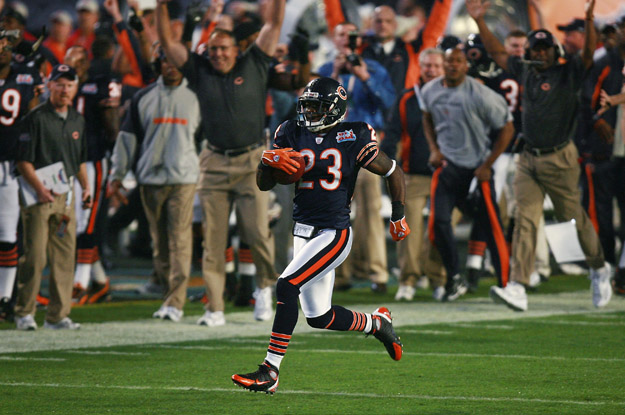 MIAMI GARDENS, FL - FEBRUARY 04:  Kick returner Devin Hester #23 of the Chicago Bears returns the openning kickoff 92-yards for a touchdown against the Indianapolis Colts in the first quarter of Super Bowl XLI on February 4, 2007 at Dolphin Stadium in Miami Gardens, Florida.