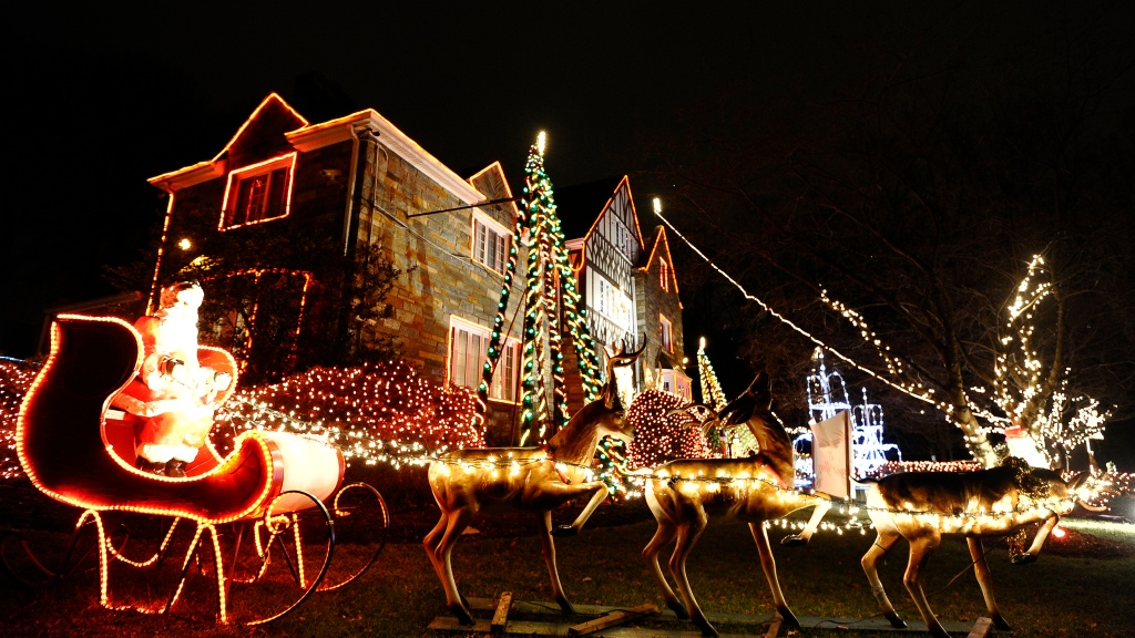 Christmas Light Display Near Me.Best Holiday Light Displays In The D C Area Cbs Dc