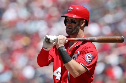 Bryce-Harper-chewing