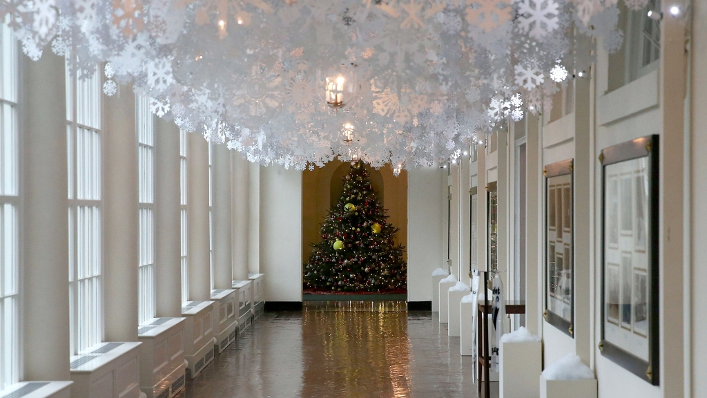 Snow People Snowflakes Star In White House Holiday Decor Cbs Dc